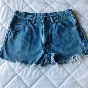 Wrangler High Waist Cut Offs Mom Jean Size 30